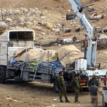 Occupation forces steal tents donated by international doners